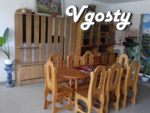 I rent a room in a mini-hotel city. Coast, vul.Mikesha, 3b - Apartments for daily rent from owners - Vgosty