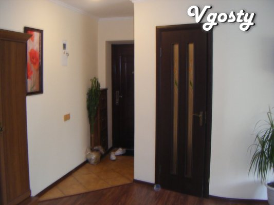 The apartment is centrally located, modern kvartiras - Apartments for daily rent from owners - Vgosty