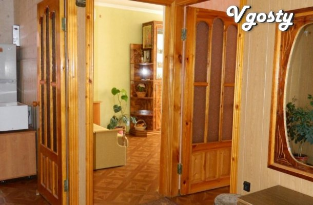 Sudak Center overlooking the sea and the fortress - Apartments for daily rent from owners - Vgosty