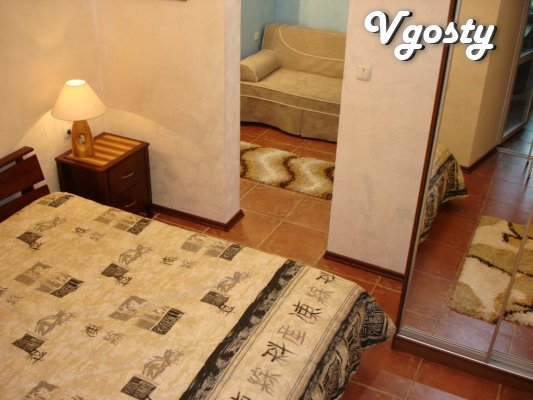 Rent an apartment in the center of Yalta with his court - Apartments for daily rent from owners - Vgosty