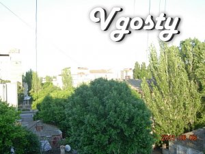 Квартира в центрі Бердянська на 3-6 чоловік з оплатою - Квартири подобово без посередників - Vgosty
