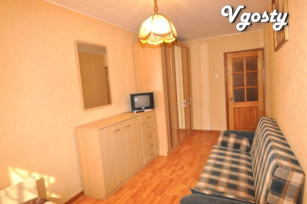 Trehkomnatnaya apartment sderzhanom, spokoynom Style - Apartments for daily rent from owners - Vgosty