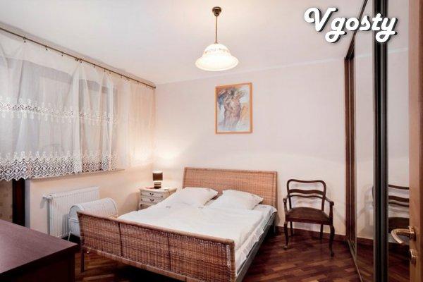 3 komnatnaya 81 sqm apartment ploschadyu avstryyskom in house - Apartments for daily rent from owners - Vgosty