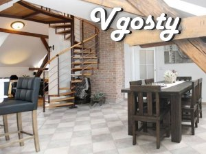 Ynteresnaya and neordynarnaya attic type apartment in the city center - Apartments for daily rent from owners - Vgosty