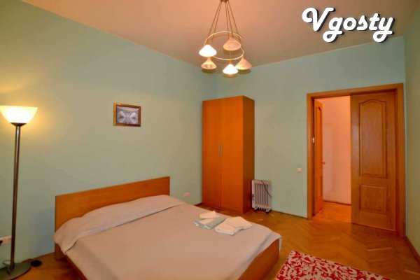 Large apartment district Avenue of Freedom (3 rooms) - Apartments for daily rent from owners - Vgosty