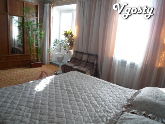 Address 2 BR., 3-room apartment (80 square meters) WI-FI. Without surc - Apartments for daily rent from owners - Vgosty