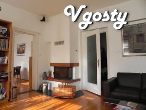Prostornыy chetыrehkomnatnыy dvuhэtazhnыy mansion with Camino - Apartments for daily rent from owners - Vgosty