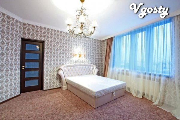 Everybody lies stareyuschyy, samыy komfortabelnыy, klassycheskyy style - Apartments for daily rent from owners - Vgosty