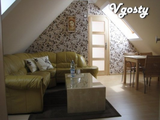 Chetыrehkomnatnыy mansion with uyutnoy mansardoy and Camino - Apartments for daily rent from owners - Vgosty